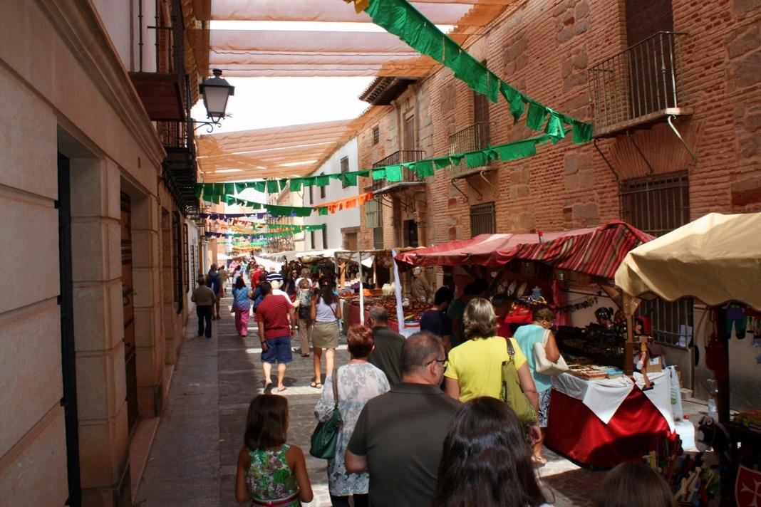 13-37-36-Mercado-Cervantino.-Autor.-Balcón-de-Infantes